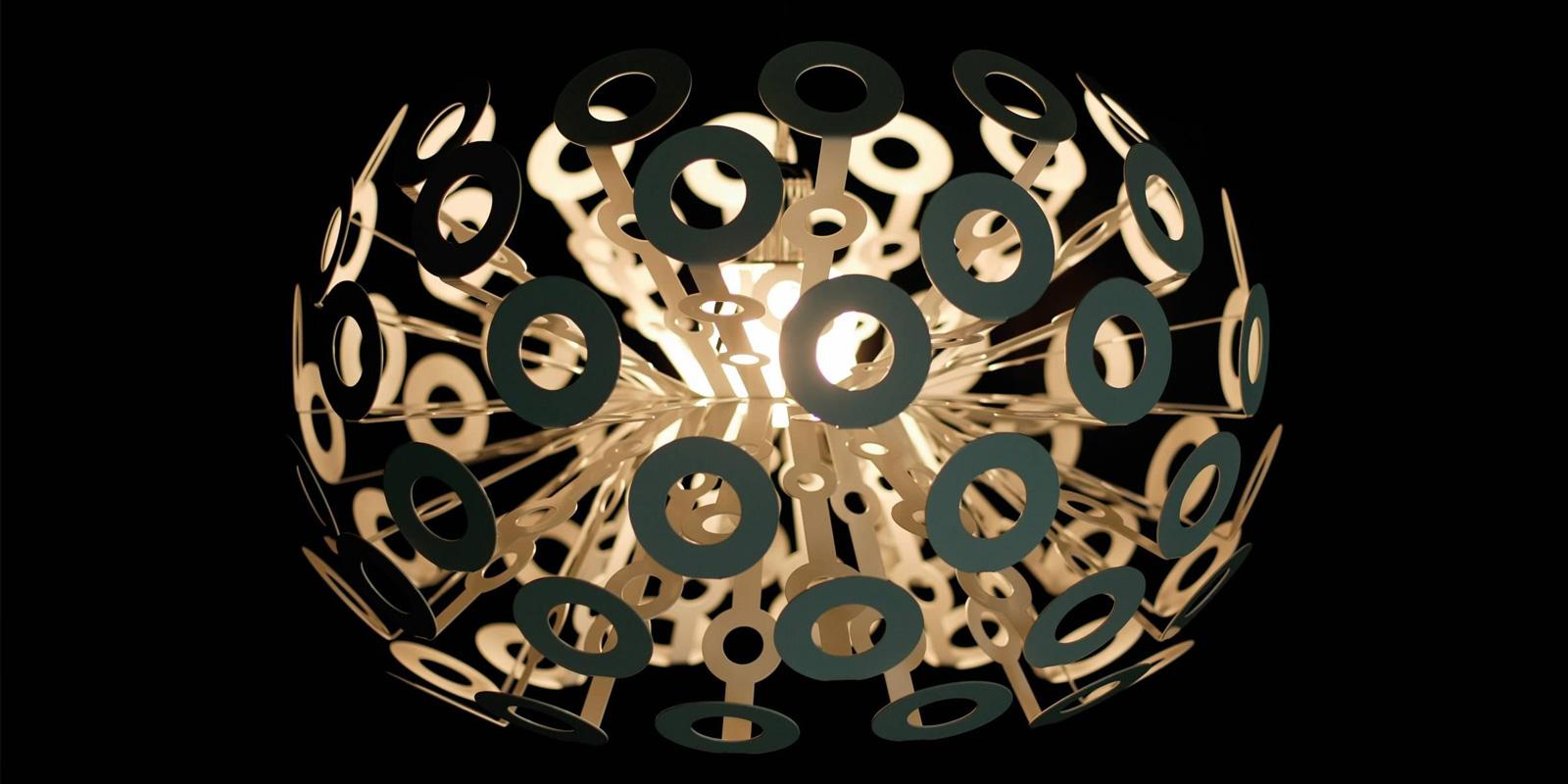Miljøbilde av Dandelion pendel og gulvlampe