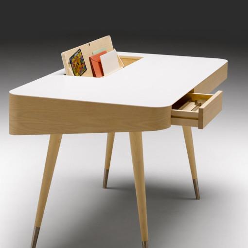 AK 1330 skrivebord