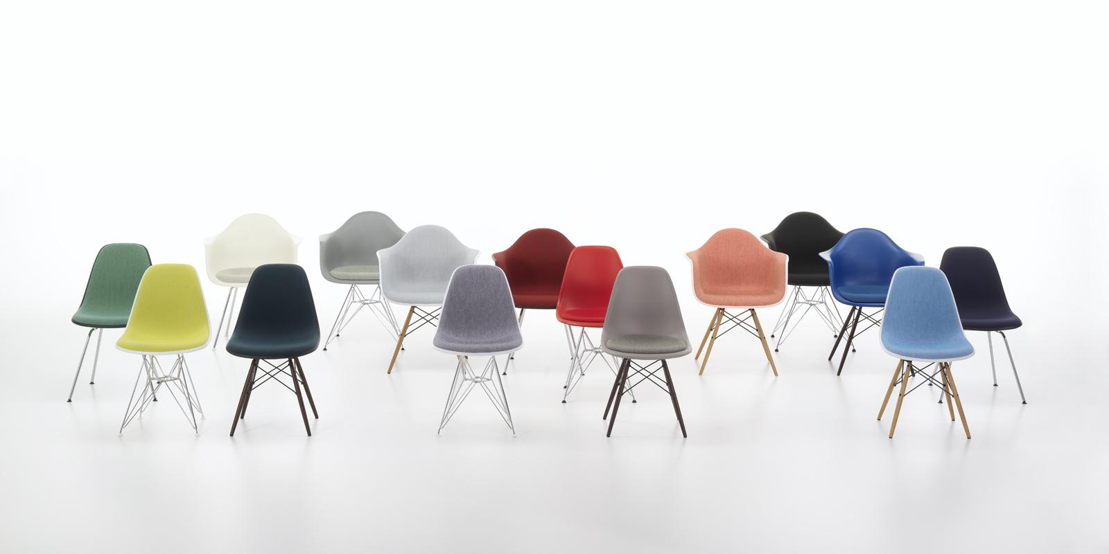Miljøbilde av Eames plastic chair: DSR, DSW, DAR og DAW