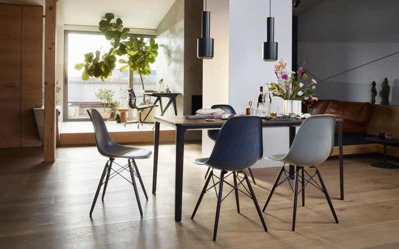 Vitra Eames Fiberglass Chair i 6 originale farger.